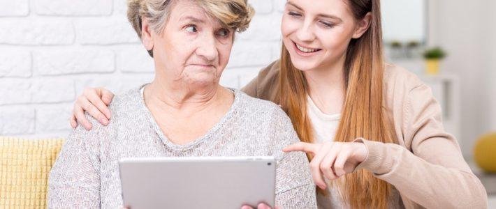 Tablette senior : est-ce que votre proche saura l'utiliser ?