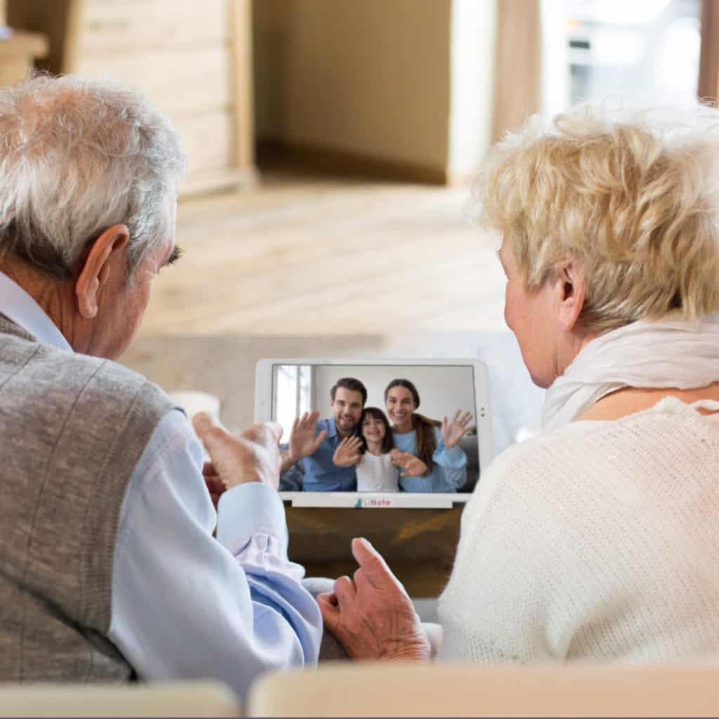 Cadeau tablette visio facile grand-parents