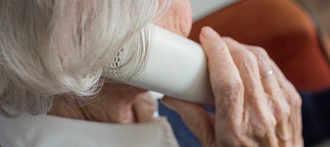 Les téléphones fixes adaptés aux personnes très âgées