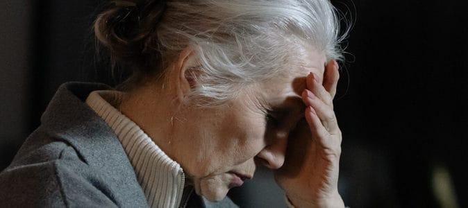 Harcèlement téléphonique des personnes âgées : comment réagir et résoudre le problème ?
