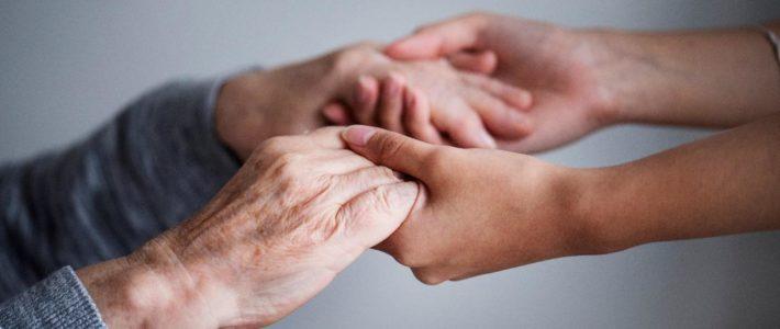 Comment réagir face à une personne âgée qui s'ennuie ?