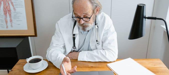 L'échelle de Reisberg : définition et présentation des 7 stades de la maladie d'Alzheimer