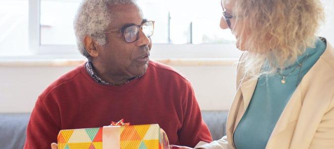 Les 14 meilleures idées de cadeaux pour votre grand-père