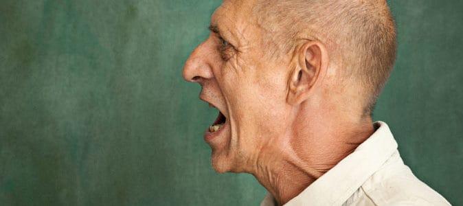 Maltraitance sur personne âgée : que faire ?